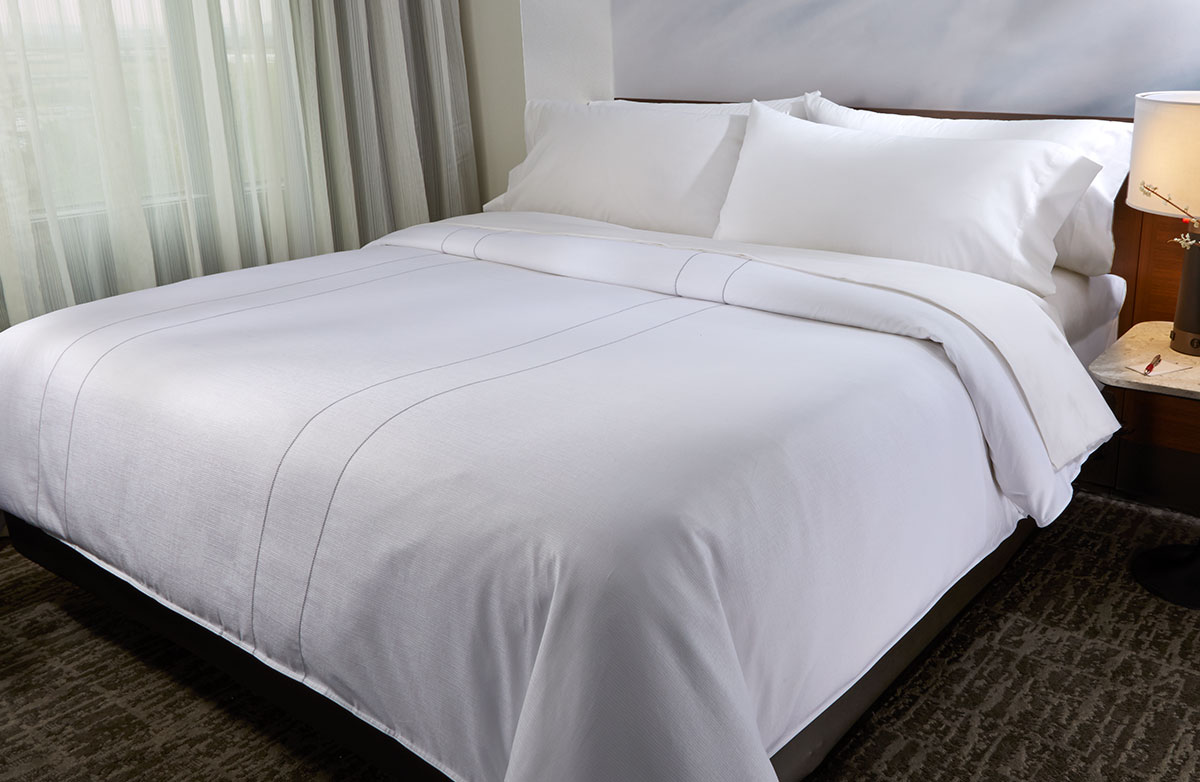 Buy luxury hotel bedding from marriott hotels platinum for How to cover a bed